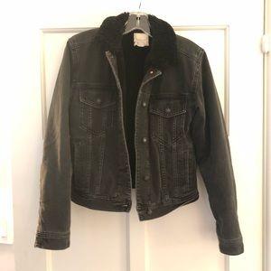 American eagle black denim Sherpa jean jacket